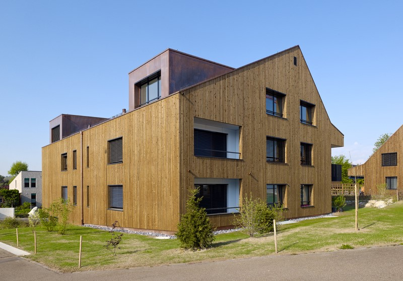 Holzelementbau mit druckimprägnierter Holzfassade