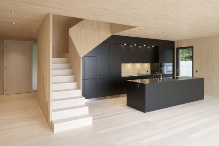 Holzelementbau und Innenausbau mit Schreinerarbeiten